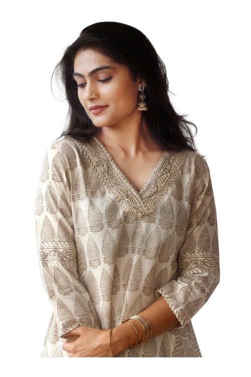 kurta with kali's and up and down pattern .